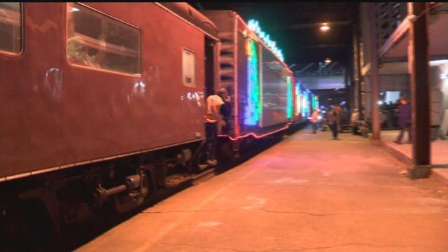 holiday train rolls through milwaukee and surrounding areas